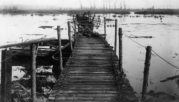 Geïnundeerde IJzervlakte, oktober 1914. Collectie Koninklijk Legermuseum www.be14-18.be