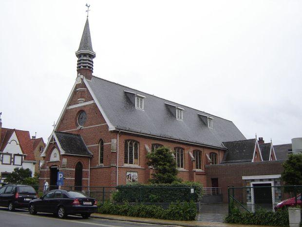 Kapel van de Paters Oblaten in de Panne, ook gekend als de Kapel Onze-Lieve-Vrouw-ter-Zee of koninklijke kapel. Deze laatste titel dankt de kerk aan de talrijke bezoeken die de koninklijke familie aan deze bidplaats bracht tijdens hun verblijf in de kuststad.
